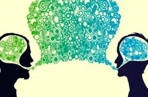 personnes qui communiquent