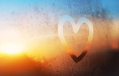coeur sur une vitre