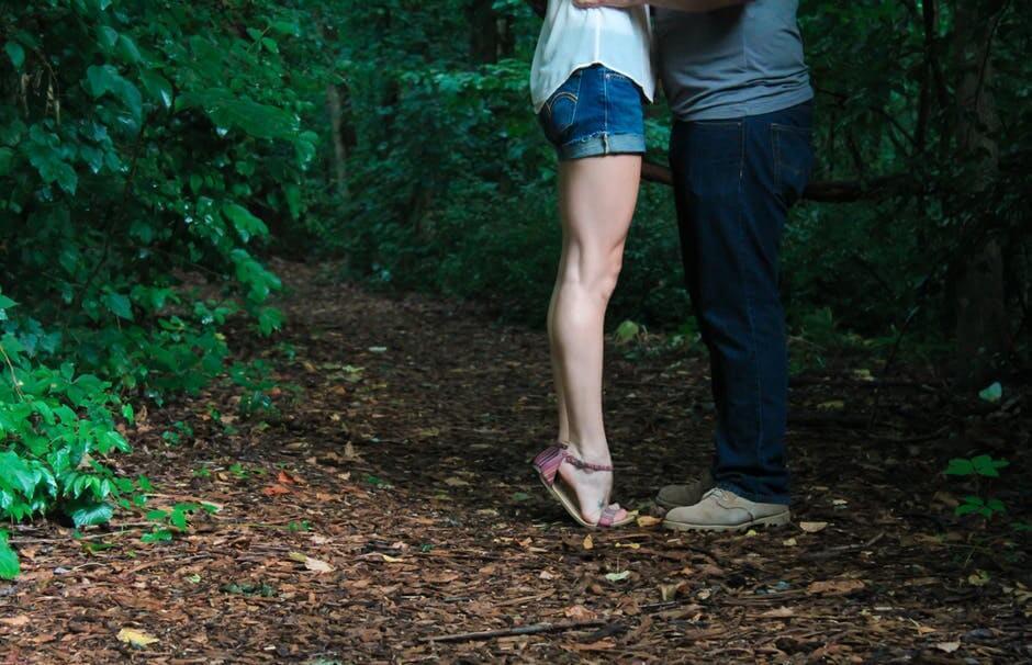 Comment passer de la datation occasionnelle à la relation sérieuse datant d'un homme endommagé