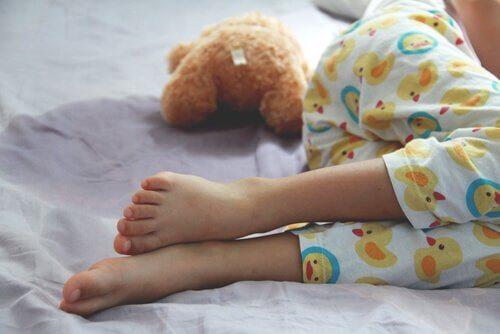 Énurésie : causes, symptômes et traitements