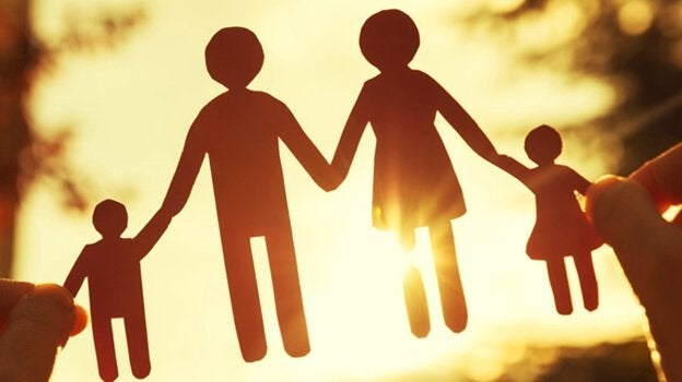 famille en patrons en papier