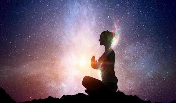 Comment réveiller la lumière que nous portons en nous selon la sagesse orientale