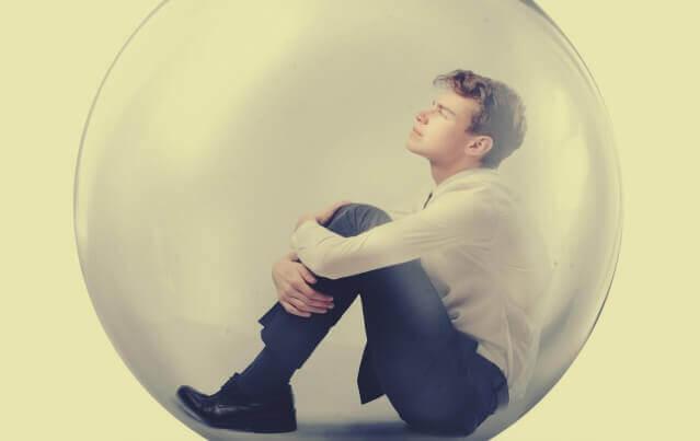 jeune homme dans sa bulle
