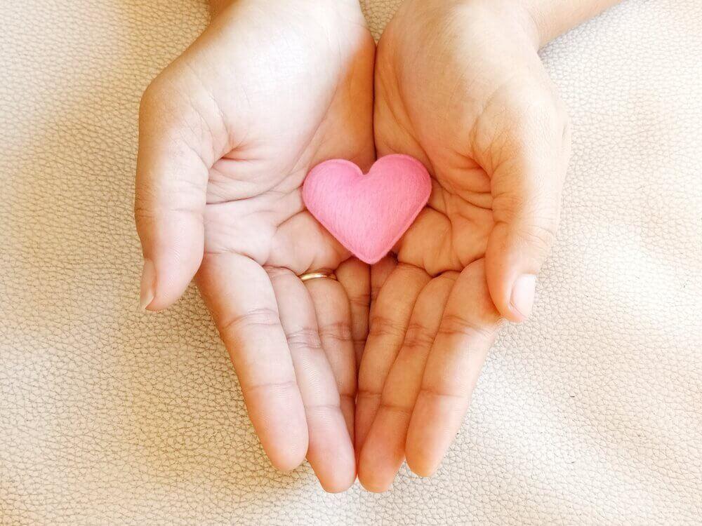 coeur entre les mains