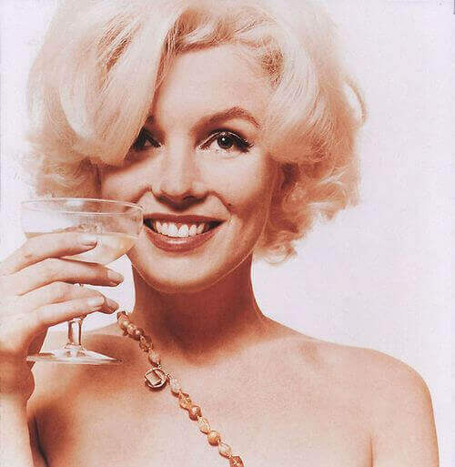 marilyn monroe avec un verre