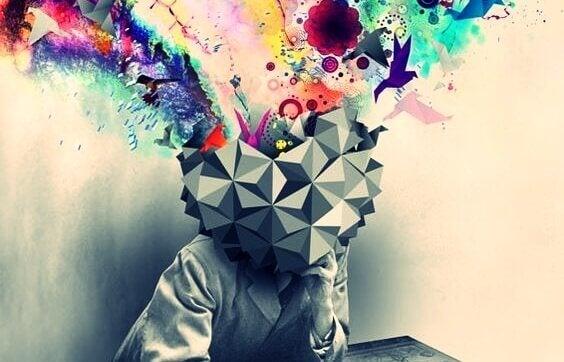 couleurs émanant d'une tête représentant la créativité