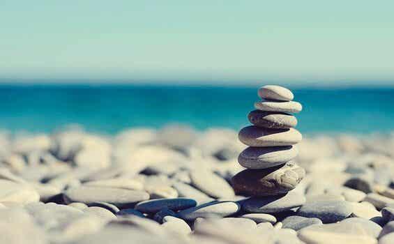 La fable des pierres : comment gérer nos préoccupations ?