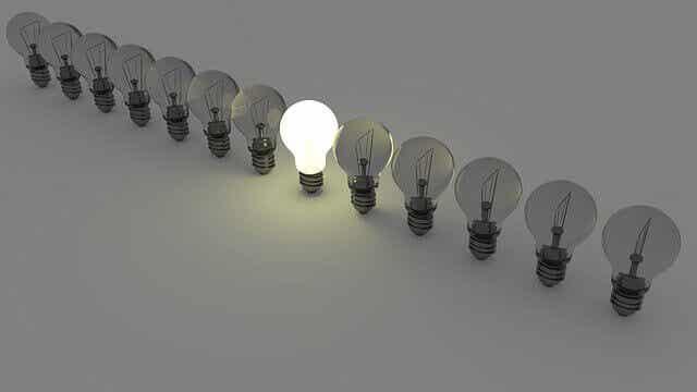 """Víctor Küppers et """"l'effet ampoule"""" : l'importance de l'attitude"""