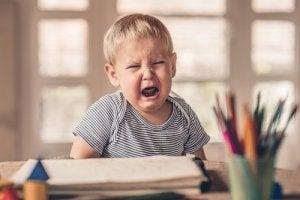 enfant qui pleure