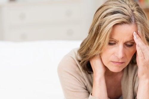 femme expérimentant les symptômes de la dépression