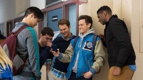 garçons au lycée