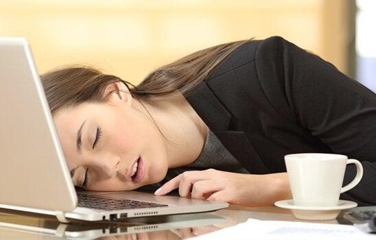 L'hypersomnie : symptômes et traitement