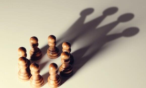 5 biais cognitifs qui favorisent les puissants