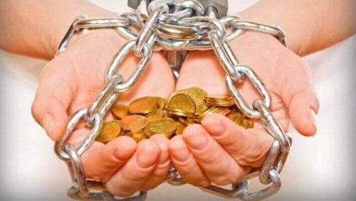 argent : pourquoi dépenser plus que ce que l'on a ?