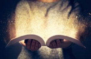 bibliothérapie avec livre et lumière
