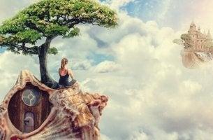 femme sur un escargot flottant dans le ciel