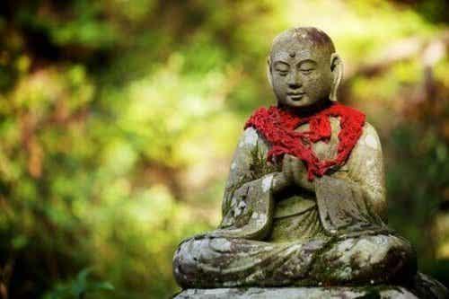Un moine bouddhiste nous dit quelles sont les 5 clés pour aimer