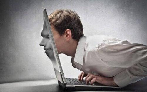 Internet diminue la capacité critique