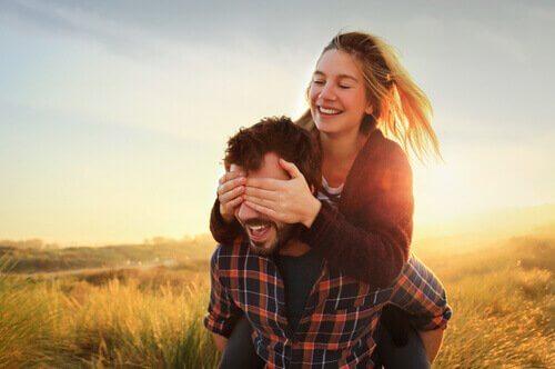 L'amour aveugle : ne pas voir comment est réellement une personne