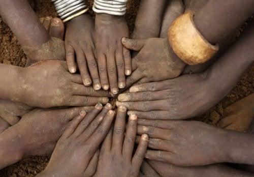 mains unies