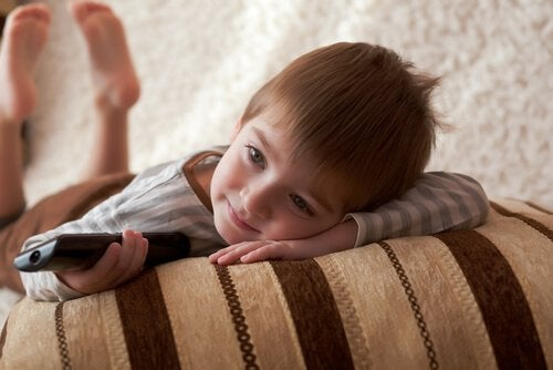 Pourquoi les enfants regardent le même film encore et encore ?