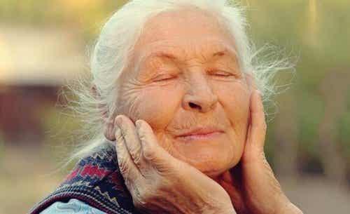 La régulation des émotions des personnes âgées : une clé du bien-être