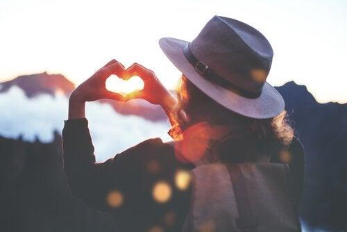 Les 5 libertés de Virginia Satir pour renforcer l'estime de soi