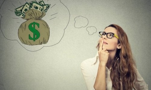 femme qui rêve d'argent