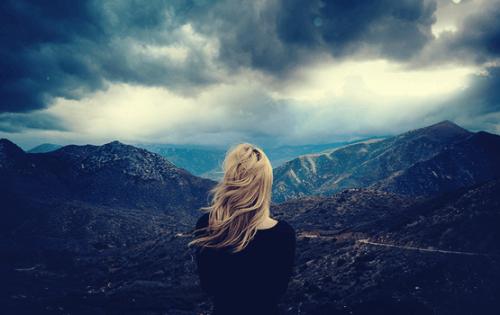 7 signes qui prouvent que vous êtes une personne autodestructrice