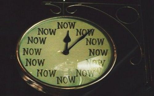émotions étranges liées au temps