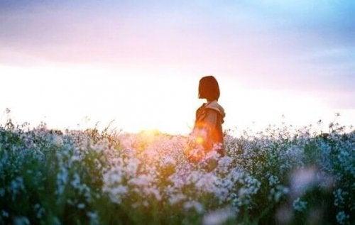 Nous pouvons tout surmonter : avec un sourire, un claquement de porte ou en ne regardant pas en arrière