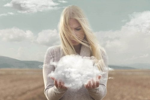 nuage dans les mains