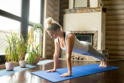 postures de yoga à la maison