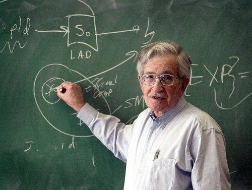 noam chomsky et la psychologie éducative