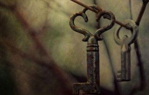 clefs suspendues
