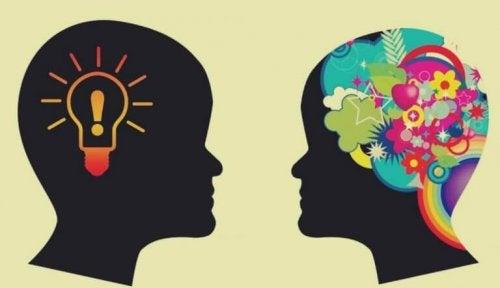 deux têtes représentant comment développer la conscience émotionnelle