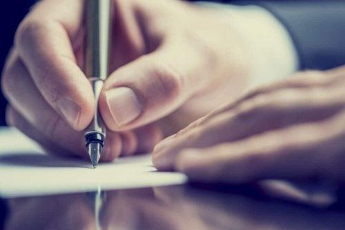 stopper les pensées récurrentes en les écrivant