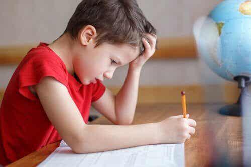Comment aider les enfants souffrant d'angoisse des mathématiques