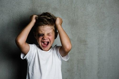 enfant atteint de psychopathie infantile