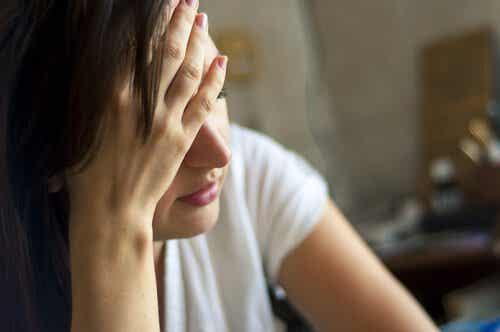 Céphalée de tension : causes et traitements