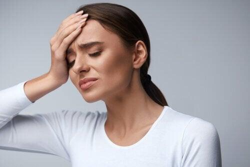 Contre le mal de tête, plus d'eau et moins de paracétamol