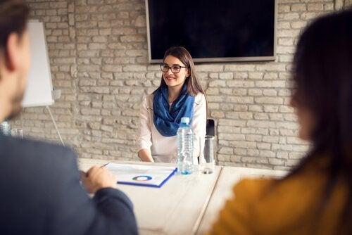 chercher un emploi et passer des entretiens d'embauche