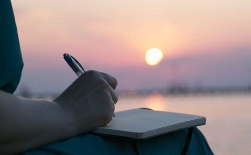 exprimer la douleur émotionnelle par l'écrit