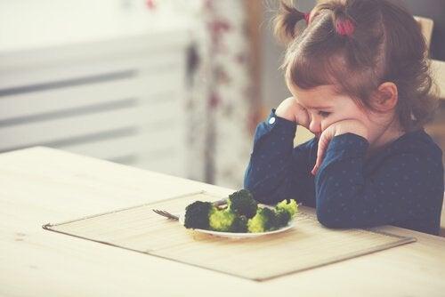 néophobie alimentaire : pourquoi se produit-elle ?