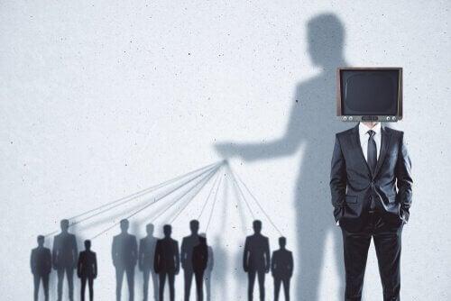 3 types de tactiques sur la propagande politique
