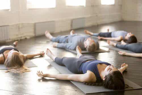 4 techniques de yoga pour mieux dormir