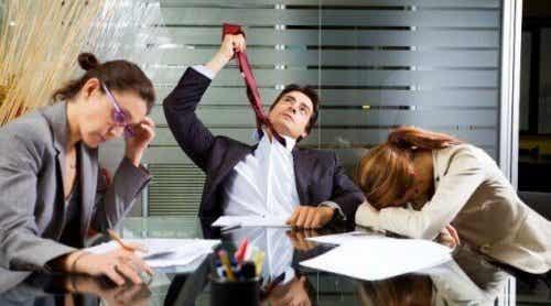 Le zombie au travail: la faute du travailleur ou de l'entreprise?