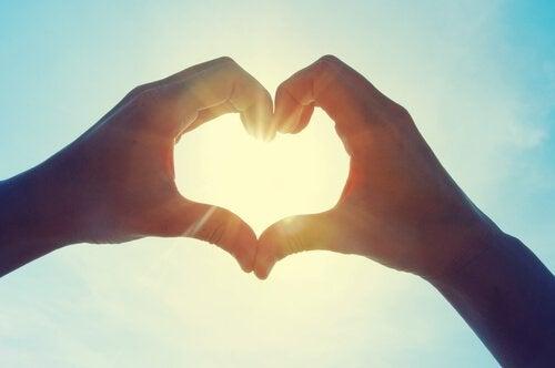"""Pourquoi nous trompons-nous lorsque nous utilisons l'expression """"amour platonique""""?"""