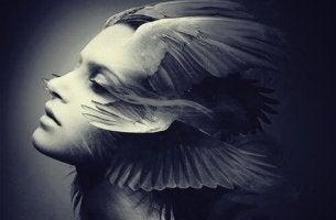 femme avec ailes