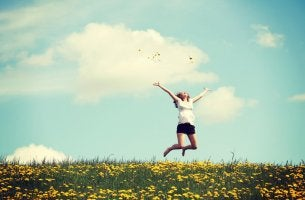 Femme sautant